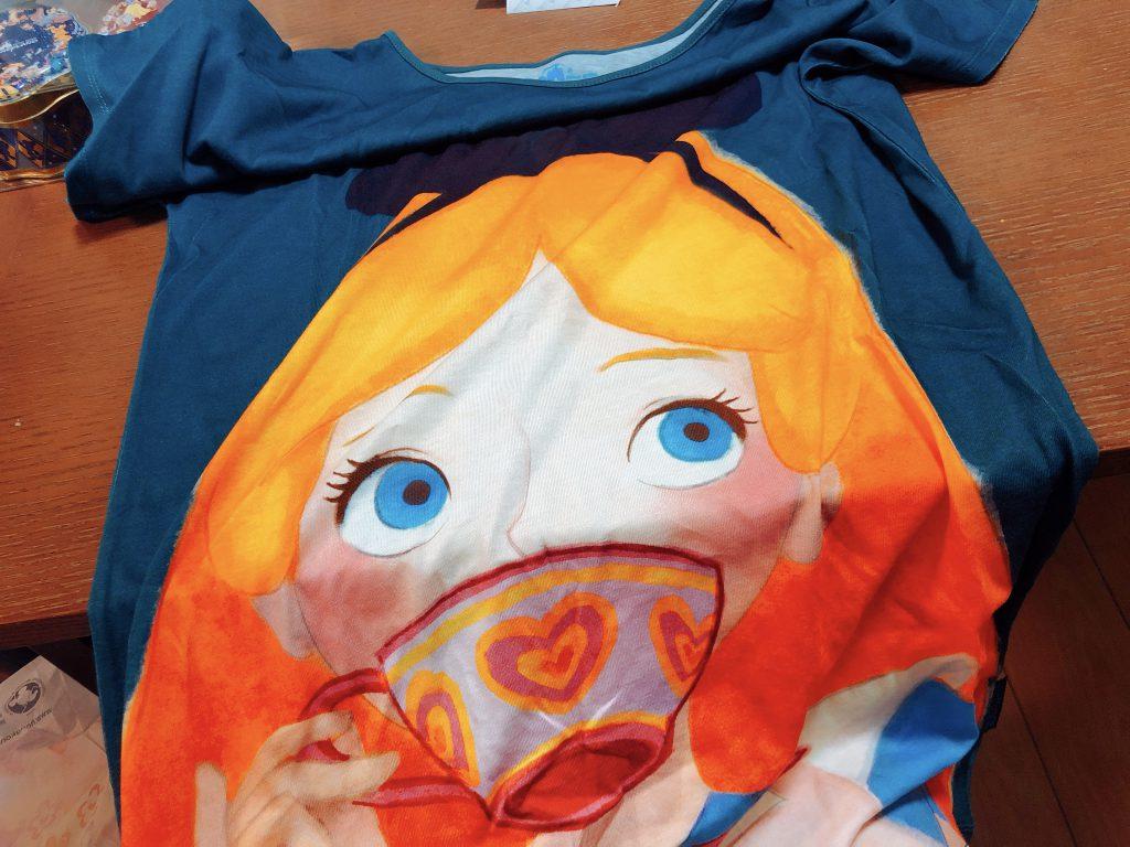 アリスのTシャツ